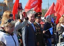 Irkoetsk, Rusland - Mei 9, 2015: Ingezetenenoptocht op Victory Day Celebration in Irkoetsk Stock Afbeelding