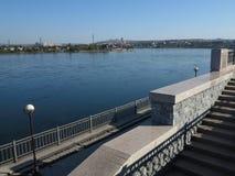 Irkoutsk, Russie - perle de la Sibérie sur la rivière d'Angara Photographie stock libre de droits