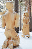 Irkutsk region, Ryssland-Januari, 03 2015: Danko Parkera av träskulpturer i den Savvateevka byn Arkivfoto