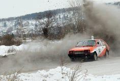 Irkutsk, Rusia - 18 de febrero de 2017; Siga el ` de Bokovo del `, 1ra etapa la taza de Rusia en autocross Foto de archivo
