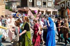 Irkutsk, Russia - giugno, 01 del 2013: Parata di giorno della città sulle vie di Irkutsk Fotografia Stock Libera da Diritti