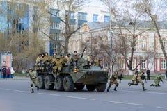 IRKUTSK, RUSSLAND - 7. MAI 2015: Wiederholungsparade Stockfoto