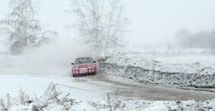 Irkutsk Ryssland - Februari 18, 2017; Spåra `-Bokovo `, den 1st etappen koppen av Ryssland i autocross Arkivbilder