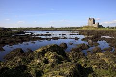 Irland slott på vatten arkivfoto