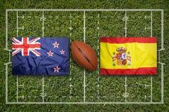 Irland vs ScotlandNew Själland vs Spanien flaggor på rugbyfält Royaltyfria Bilder