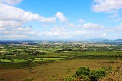Irlandczyka krajobraz, piękny słoneczny dzień Obrazy Royalty Free