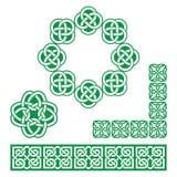 Irlandzki celt zieleni projekt wzory, kępki i warkocze -, royalty ilustracja