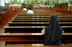 Irmã Praying Imagens de Stock Royalty Free