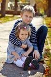 Irmão e irmã Imagens de Stock