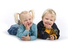 Irmão e irmã parvos fotos de stock