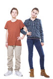 Irmão e irmã que estão com braços ligados Imagens de Stock Royalty Free