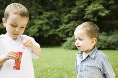 Irmãos ao ar livre Imagem de Stock Royalty Free