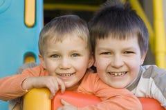 Irmãos felizes Imagem de Stock