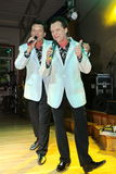 irmãos gêmeos Alexander e Eugene Anufriev dos atores da Em-fase foto de stock