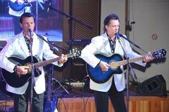 irmãos gêmeos Alexander e Eugene Anufriev dos atores da Em-fase imagem de stock royalty free