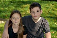 Irmãos Loving Fotos de Stock Royalty Free