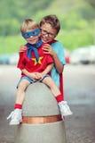 Irmãos super Imagens de Stock