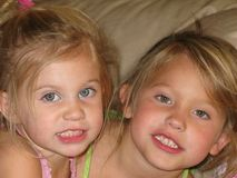 Irmãs foto de stock