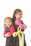 Irmãs acima amarradas Foto de Stock