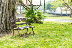 Iron bench in the park Royalty Free Stock Images