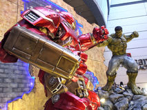 Iron man Hulkbuster VS Hulk in The Avengers: Age of Ultron. 1:1 scale Hulkbuster VS Hulk display in Hong Kong in 2015 Stock Photos