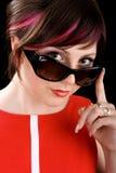 Ironische vrouw in zonnebril Stock Foto