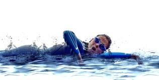 Ironman de zwemmersatleet van het vrouwentriatlon Stock Afbeeldingen
