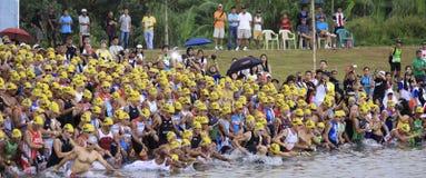 ironman simning för philippines racestart Arkivbilder