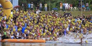 ironman simning för philippines racestart Arkivbild