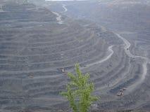 Ironstone επιφάνειας μεταλλεία (open-pit λατομείο) στοκ φωτογραφίες με δικαίωμα ελεύθερης χρήσης