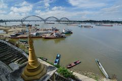 Irrawaddy从Shwe-kyet-kya塔的河视图 曼德勒 缅甸 免版税库存照片