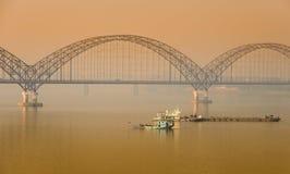 Irrawaddy桥梁在实皆,缅甸 库存图片