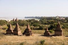 Irrawaddy rzeka z pagodami w Bagan, Myanmar Zdjęcie Royalty Free