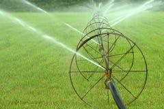 Irrigation de ferme photographie stock