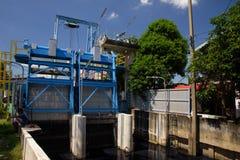 irriguez la machine de traitement de barrage et d'eau Photographie stock