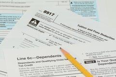 IRS- und FAFSA-Steuerformulare Stockbilder