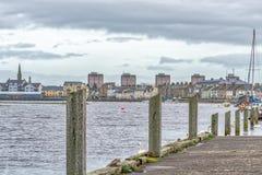 Irvine-Hafen auf der Westküste von Schottland untersuchend die Stadt Lizenzfreies Stockfoto