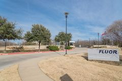 Entrance to world headquarters of Fluor Corporation in Irving,. IRVING, TX, USA-JAN 14, 2018:Main entrance headquarters of Fluor Corporation. Multinational royalty free stock photos