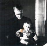 Isän sylissä Royalty Free Stock Photo