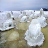 Isöken. Östersjön seglar utmed kusten i vinter. Litauen Arkivbilder