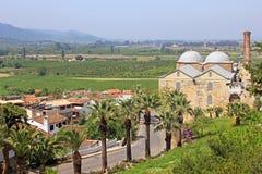 Isa土侯清真寺和镇Selcuk,土耳其 免版税库存图片