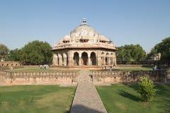 Isa Khan Tomb Enclosure, Deli, Índia imagens de stock royalty free
