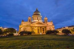 Isaac domkyrka Norr Europa, St Petersburg, Ryssland Nattsommarfoto Fotografering för Bildbyråer