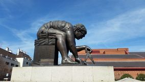 Isaac newton. Sculpture outside British Library, London Uk Stock Photography