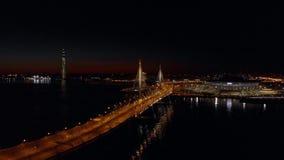 E 对俄罗斯天然气工业股份公司竞技场体育场的鸟瞰图如叫作天顶号运载火箭竞技场和Krestovsky体育场准备了 股票视频