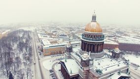 Isaacs Kathedrale in St- Petersburgluftschu? stock footage