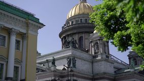 Isaacskathedraal in heilige-Petersburg stock video