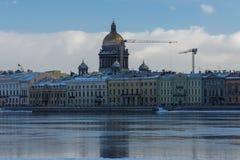 Isaak Cathedral, vista dal fiume durante l'inverno Fotografia Stock