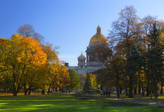 Isakievsky Kathedrale in Str. - Petersburg im autu Lizenzfreies Stockfoto