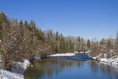 Isar-neai schlechtes Toelz im Winter lizenzfreie stockbilder